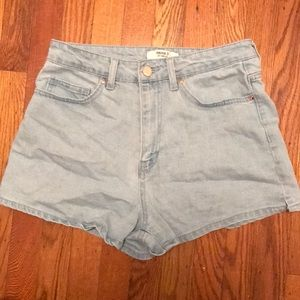 Forever 21 jean shorts with pockets!